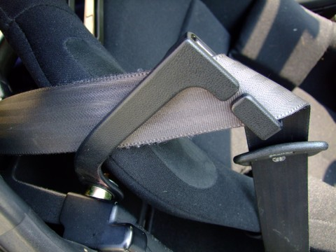 シートベルトサポート